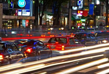 """解决城市""""停车难"""" 须破兼容难题"""