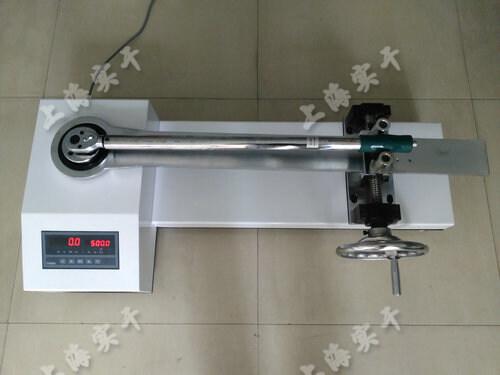 扭矩扳手检测仪操作方法